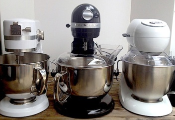 3 stand mixers